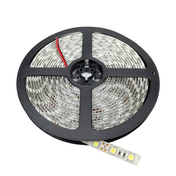 Bandeau de LED 24V 6000°K WATERPROOF 14.4w/m lumineuse, protégée contre les projections d'eau. Sur bande flexible pour un éclairage décoratif.