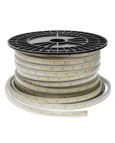 Bandeau de LED 6000°K 10w/m lumineuse, protégée contre les projections d'eau. Sur bande flexible pour un éclairage décoratif.